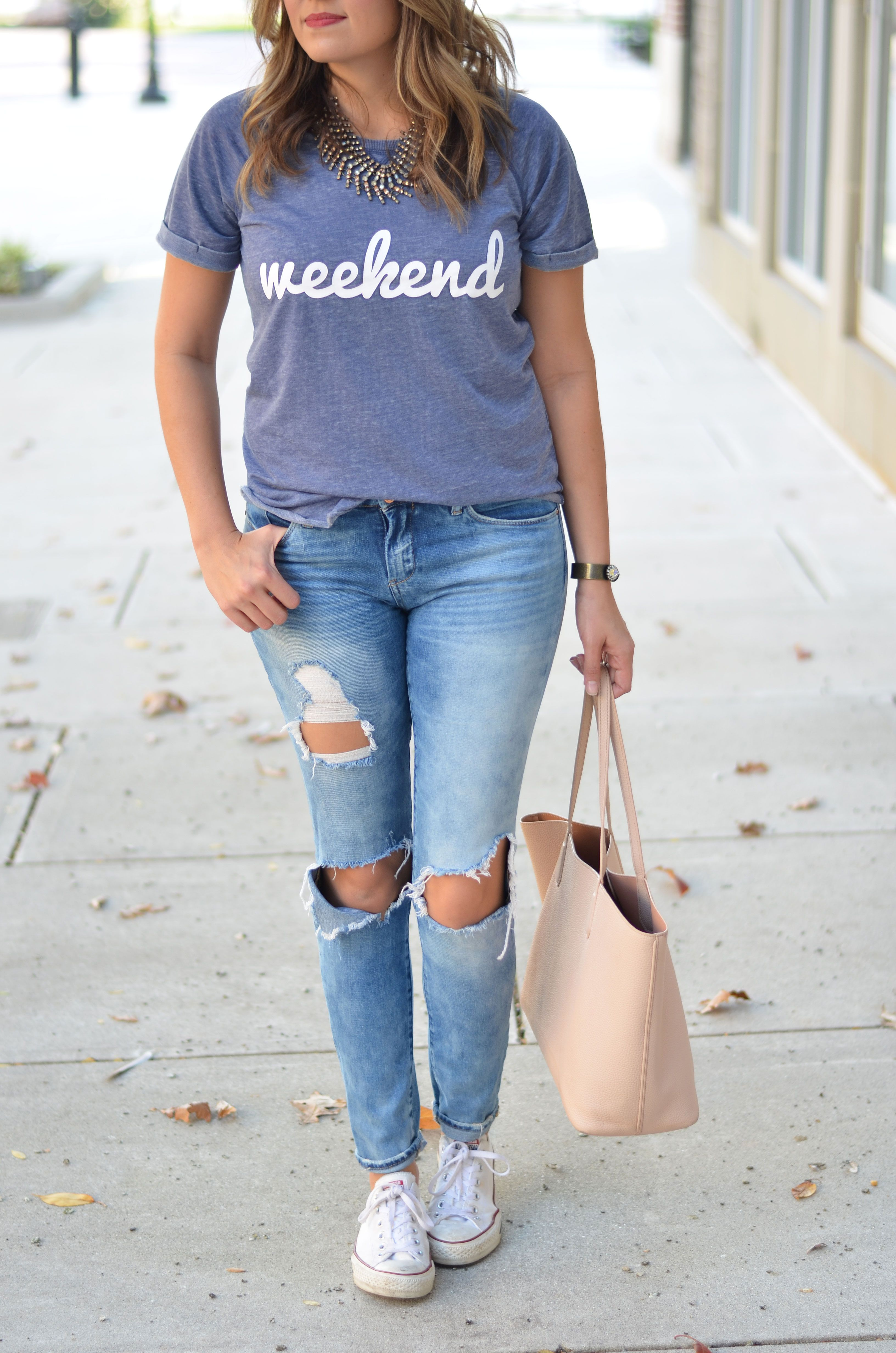 Weekend Graphic Tee Outfit With Images Graphic Tee Outfits