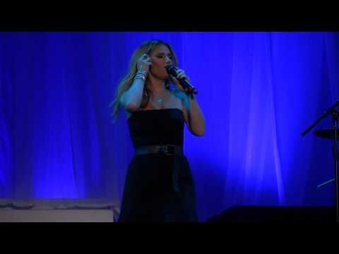 Let It Go - Idina Menzel, Bournemouth, 26 June 2015 - YouTube
