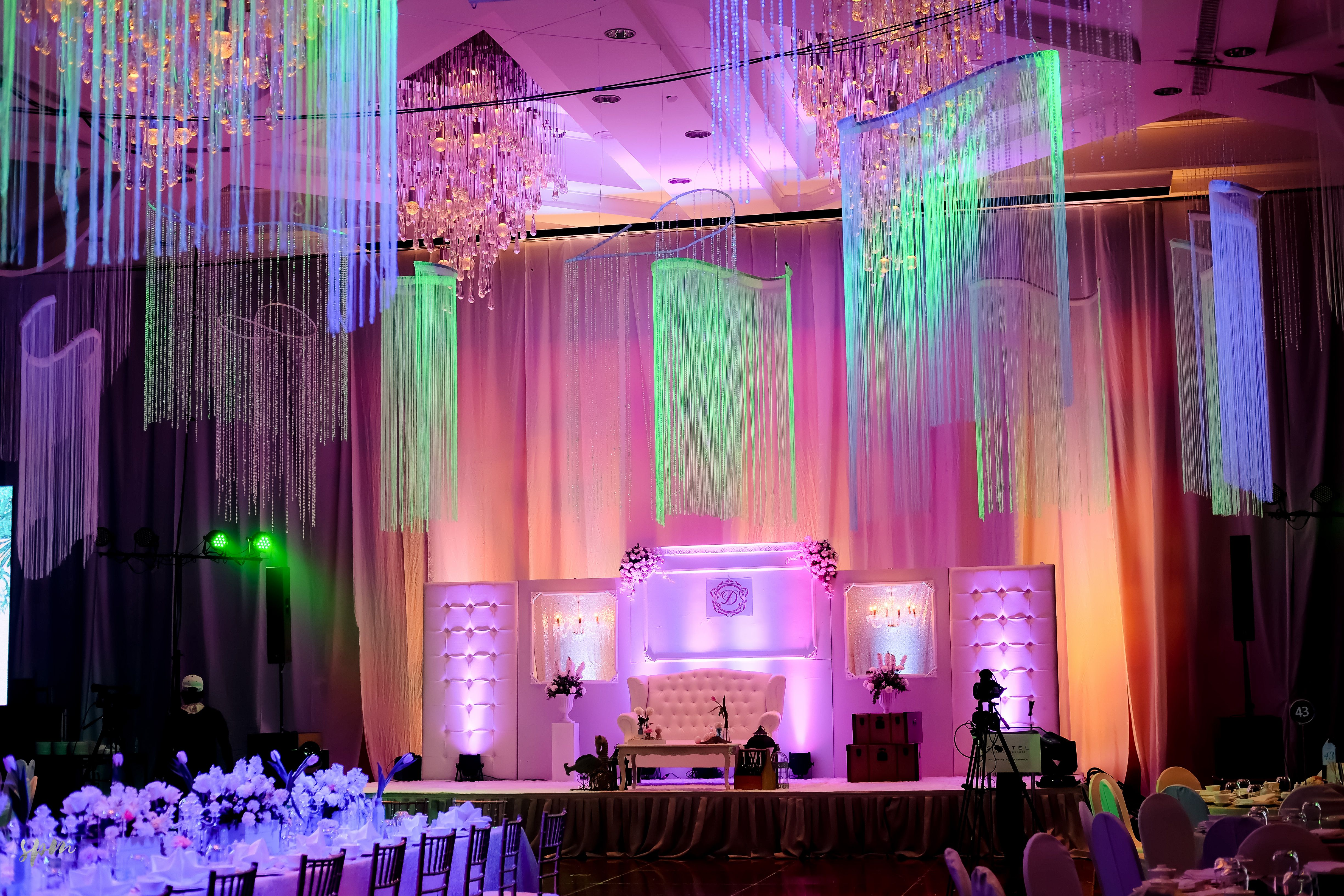 White elegance   Stage Backdrop and Ceiling Treatment by ... - photo#20