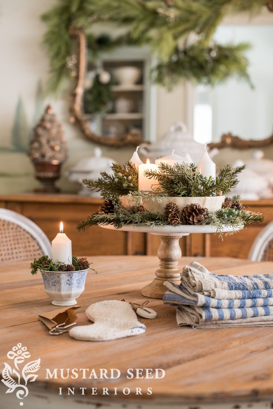 Christmas Dining Room 2018 Christmas centerpieces