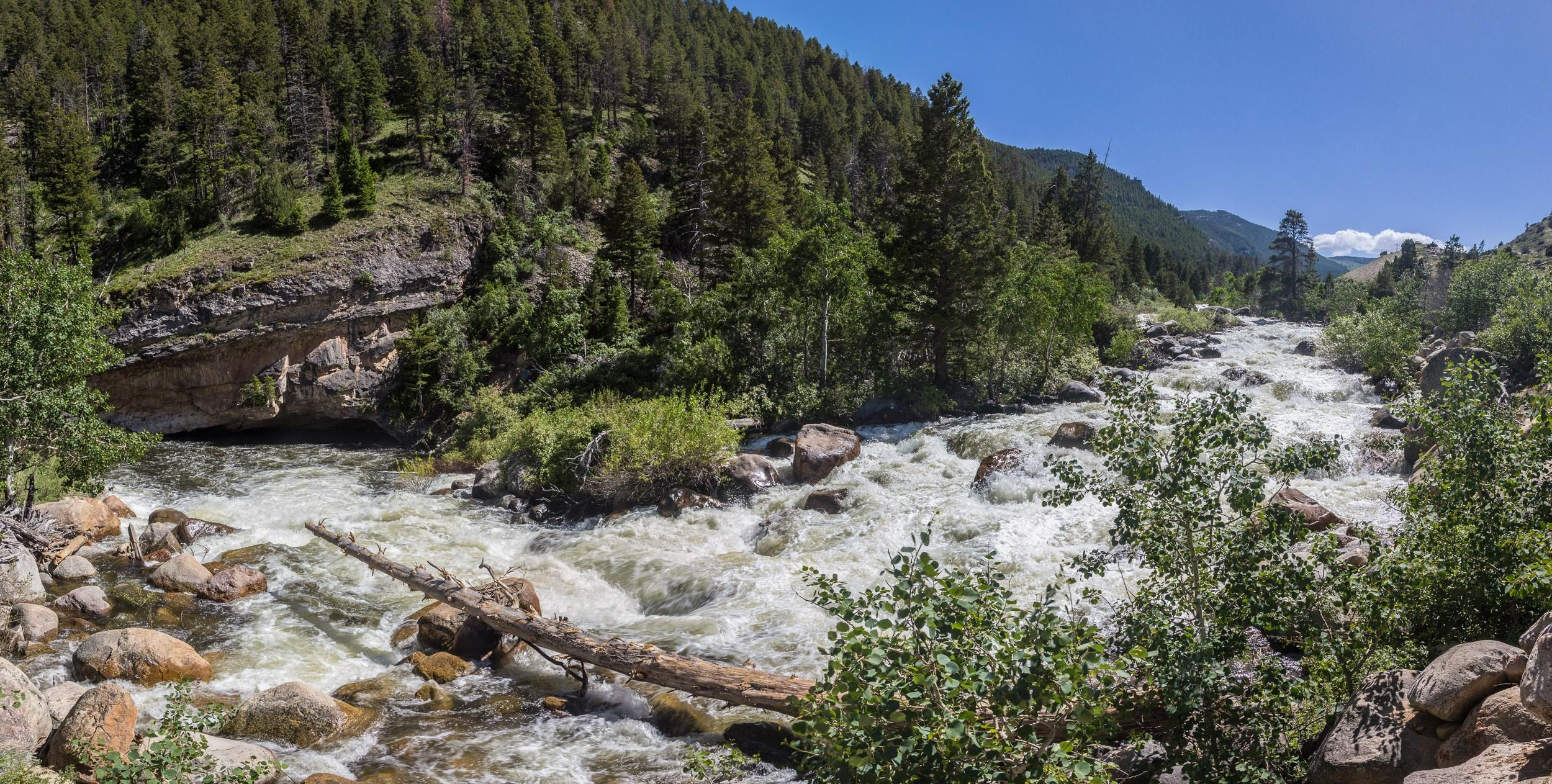Disappearing River. Popo Agie River dropping into a cave. Sinks Canyon State Park WY. [2500 x1263] [OC]