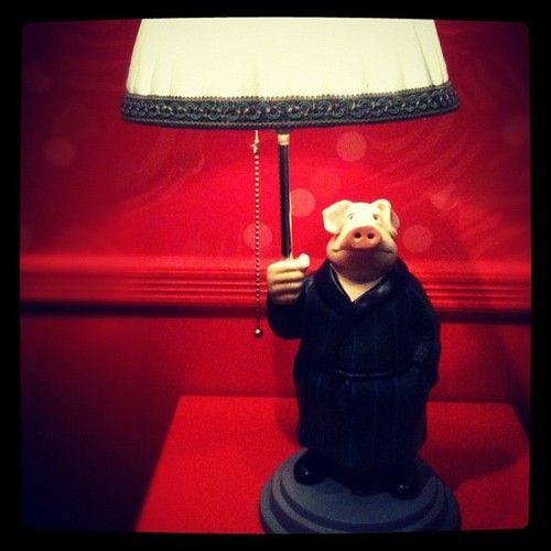 Amelie's talking pig bedside lamp - The Fabulous Destiny of Amélie Poulain - Le Fabuleux Destin d'Amélie Poulain  (2001)