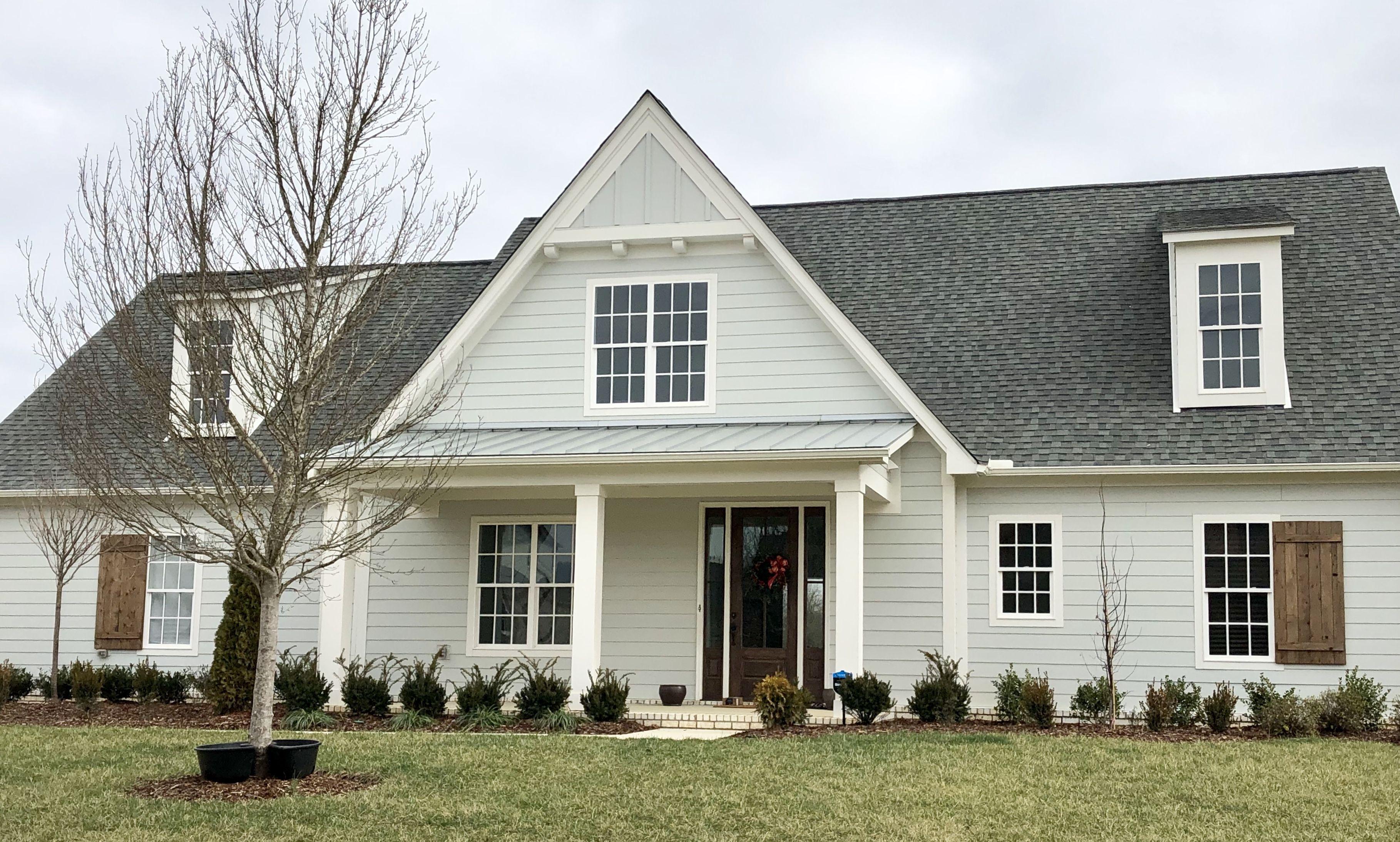 Silverpointe Siding House Exterior White Windows Exterior House Colors