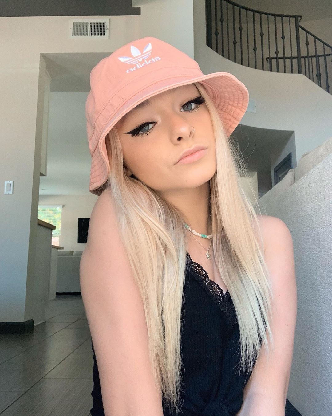 Zlp On Instagram Pink Is My Favorite Color Celebrity Pictures Zoe And Cody Laverne