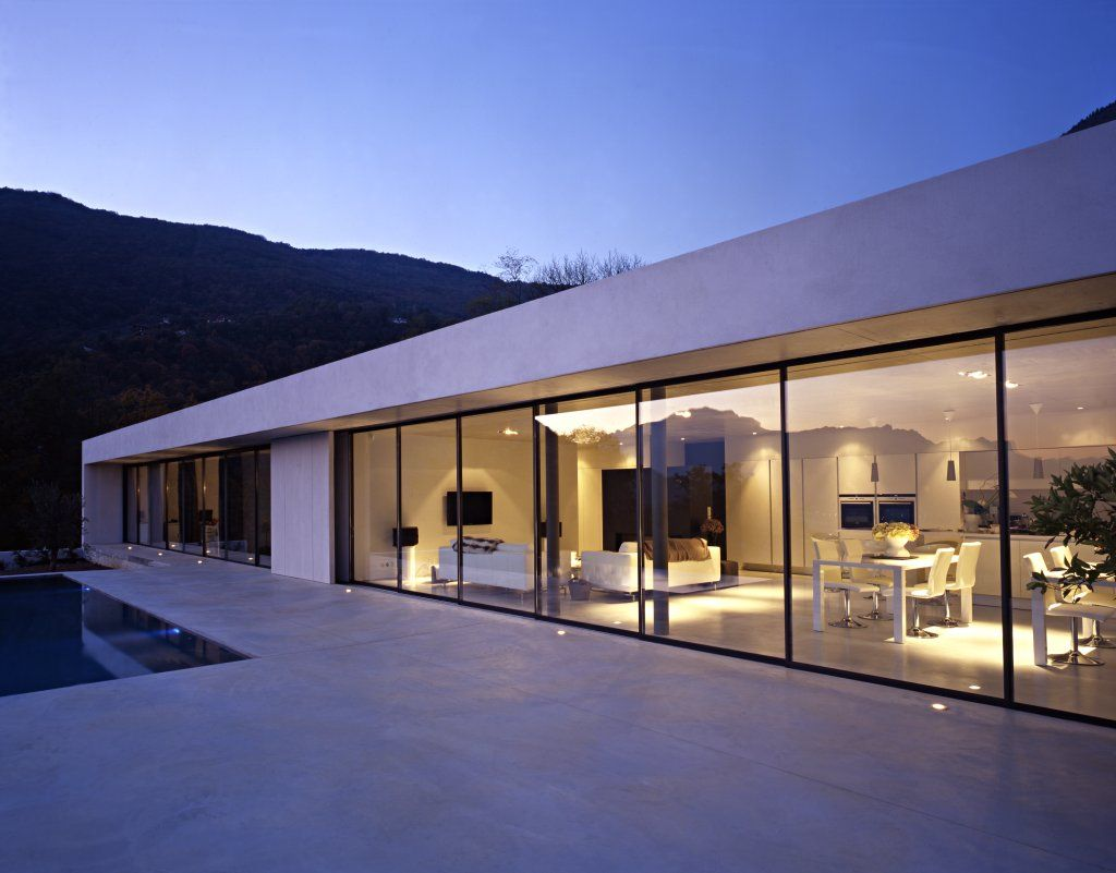 A corenc une villa contemporaine de l architecte guy for Architecte maison moderne
