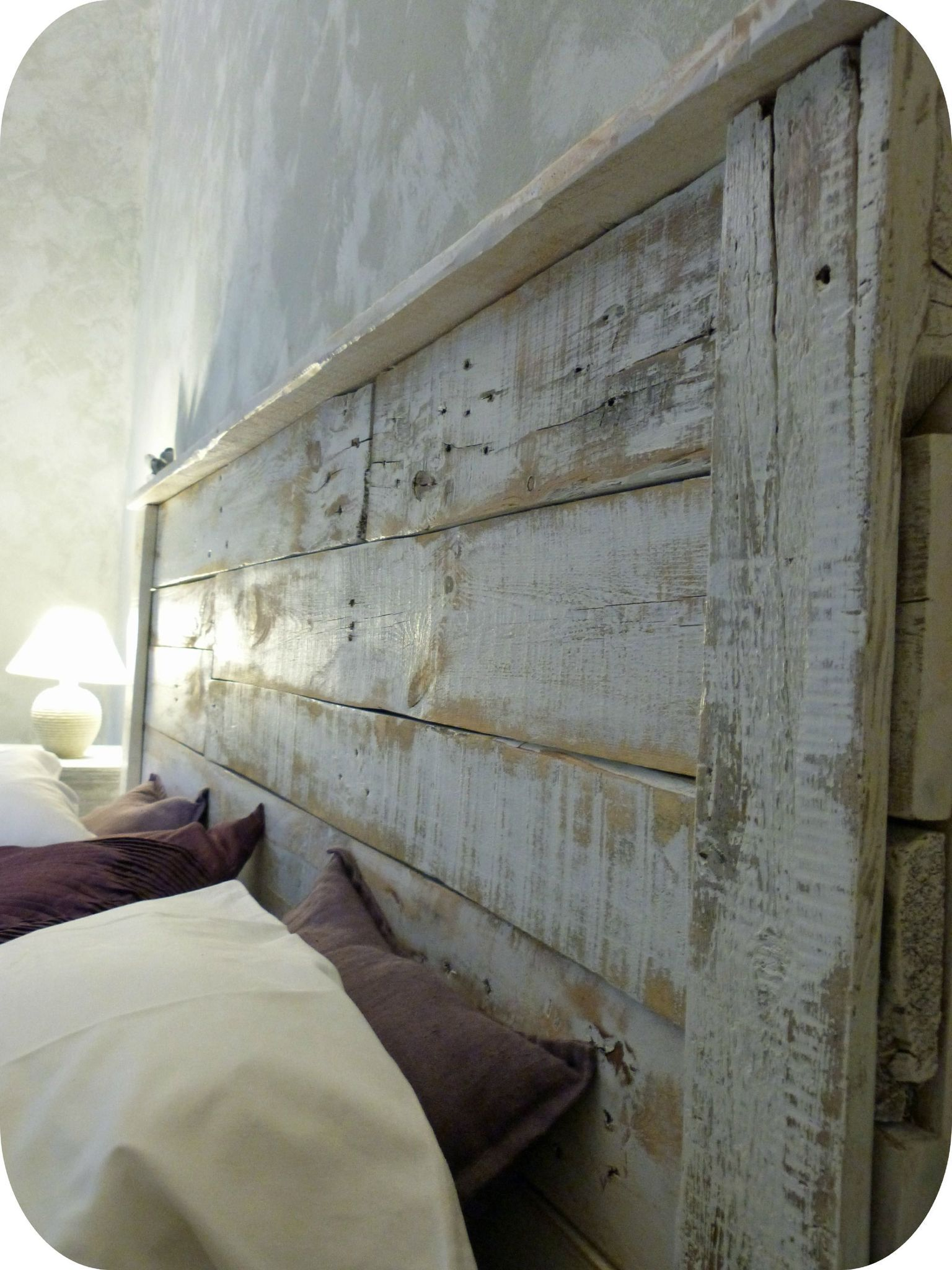 T te de lit en bois recycl madame ki tete de for Lit avec palette en bois