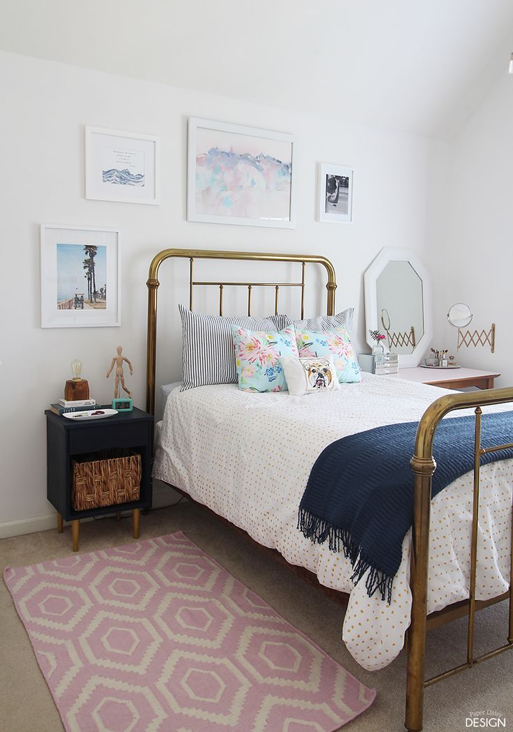 Modern vintage teen bedroom full of DiYu0027s
