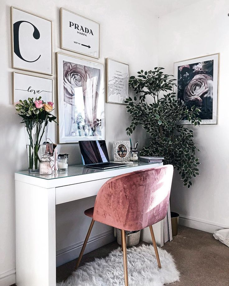 """#decor Chloe Rose's Instagram profile post: """"Goodmornin Monday, back to my little humble abode 💻💖 this is where you'll find me today ready to take on the new month! If you read my…"""" - decorideas"""