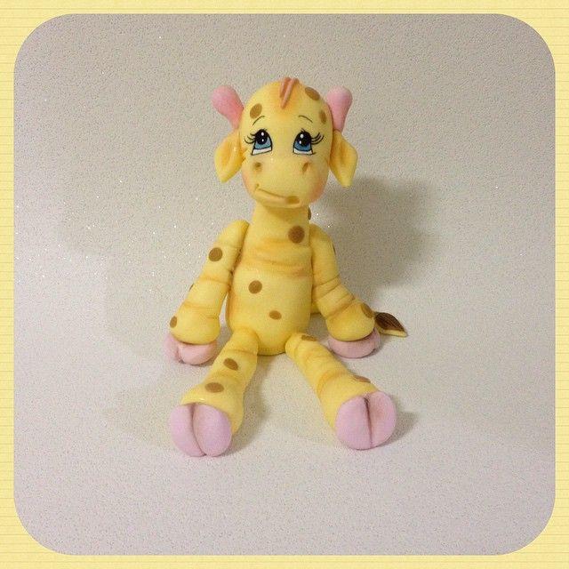 Girafinha para quartos de criança e festas infantis... uma fofura!!