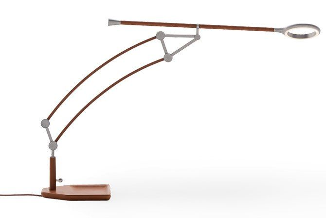 The desk lamp from the pantographe range hermes