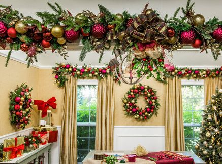 Diy Mistletoe Arch Christmas Decorations Christmas Decorations For The Home Christmas Ornament Wreath