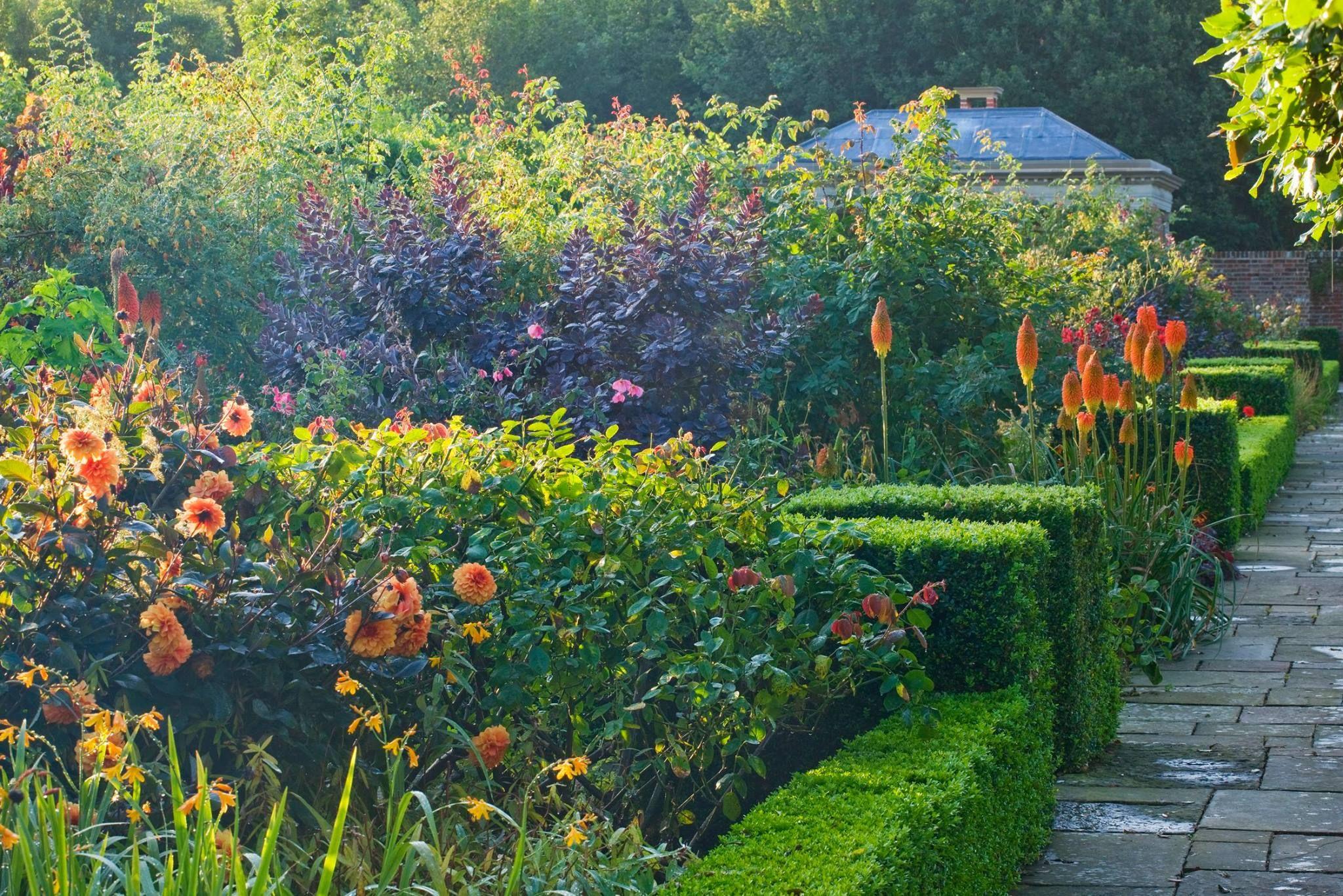 Parsonage Farm In West Sussex 7 27 16 Clive Nichols Garden Design Outdoor Garden
