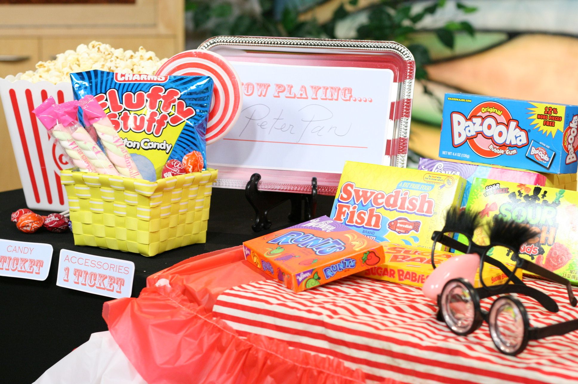 summer bash using dollar store party supplies.