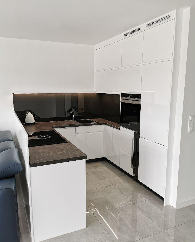 Kuchnia W Bieli Kitchen Cabinets Furniture Home