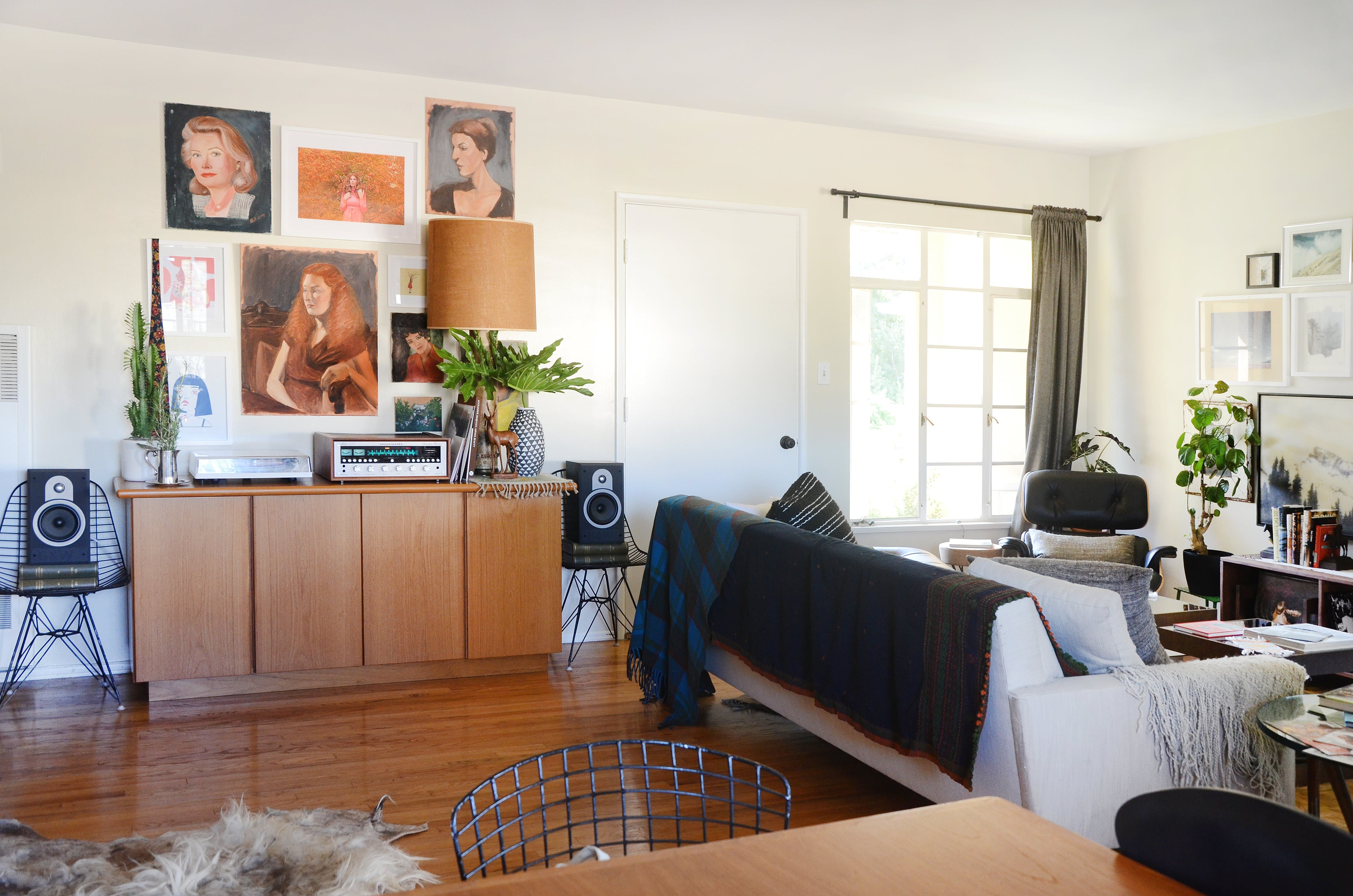 """A """"Folk Modern"""" Apartment With Urban Cabin Vibes 