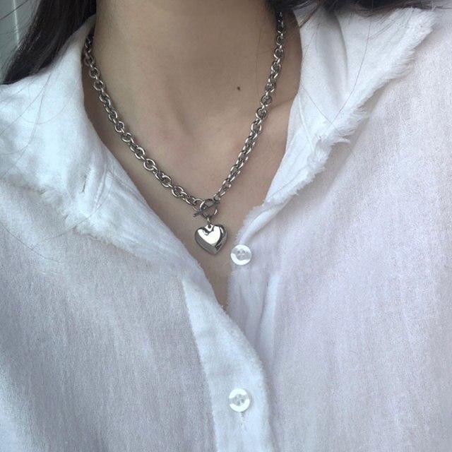 Bracelets Type: Chain & Link BraceletsGender: WomenMetals Type: aluminium alloyOrigin: CN(Origin)Fine or Fashion: FashionStyle: ClassicMaterial: MetalChain Type: Link ChainItem Type: BraceletsShape\pattern: HeartModel Number: J0413319Setting Type: Prong SettingClasp Type: Toggle-clasps200000137: 200000868200000785: 200003778