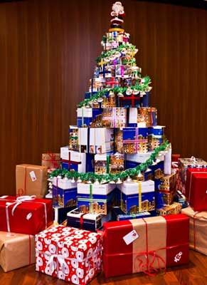 Recycled boxes christmas tree different and can teach the boys