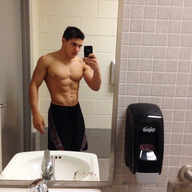 Bathroom selfie guy Simple Ways