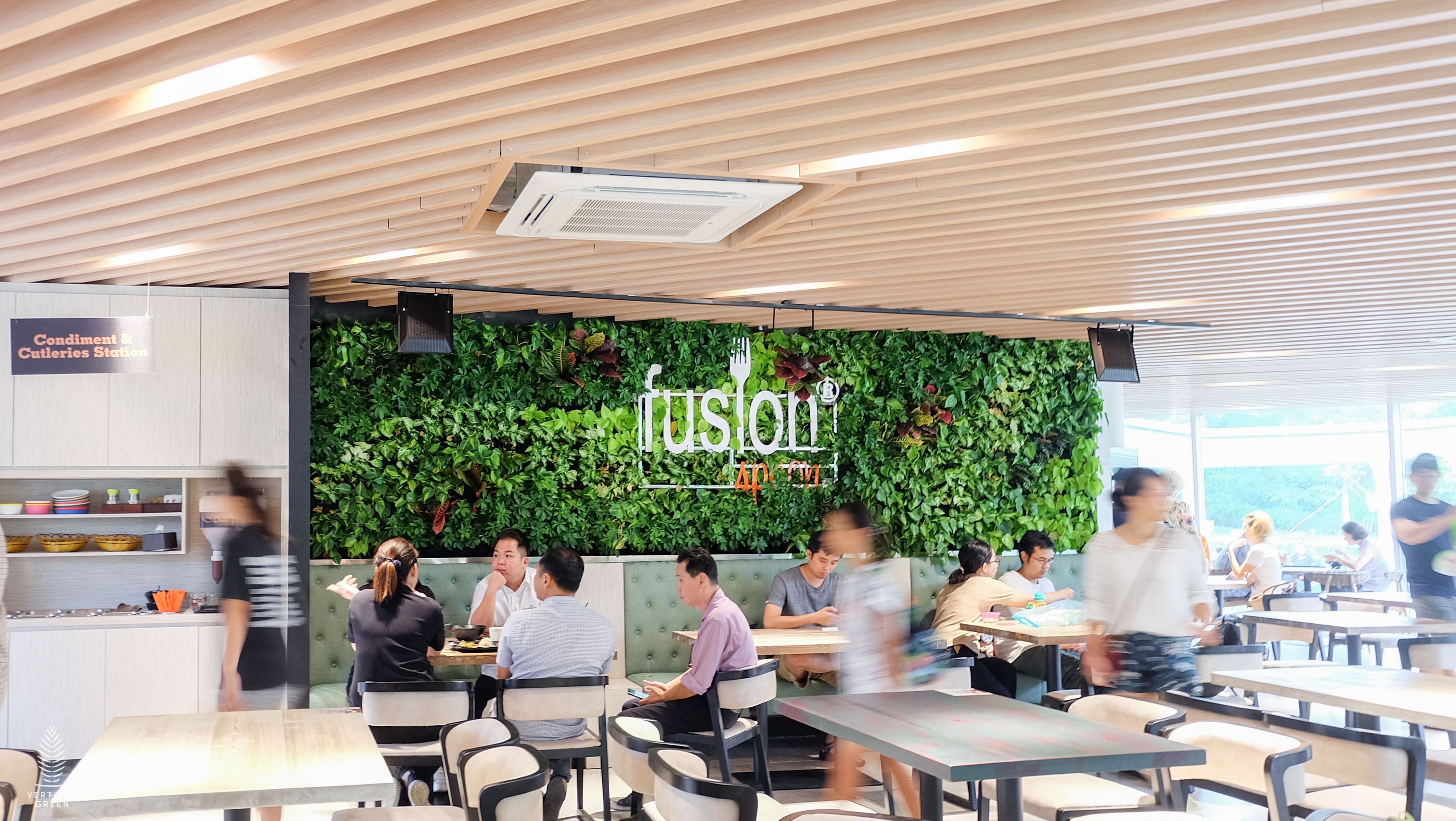 Fusion Spoon Jlg Singapore Restaurant In A Park Living Green Wall Green Wall Green Living