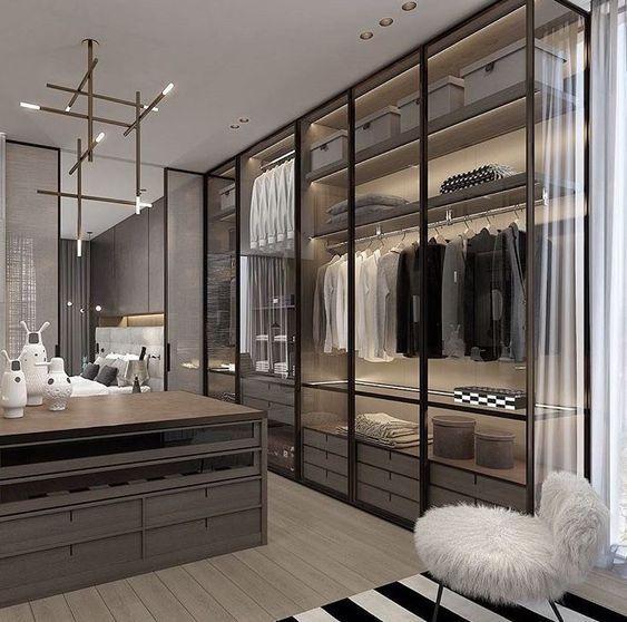 14 Walk In Closet Designs For Luxury Homes #dressingdeluxe Fantastic luxury closets for your Master Bedroom. #luxuryclosets #luxuryfurniture #exclusivedesign #interiodesign #designideas #roomdesign #roomideas #homeideas #housedesignideas #interiordesignstyles #interiordesigninspiration #interiorinspiration #luxuryinteriordesign