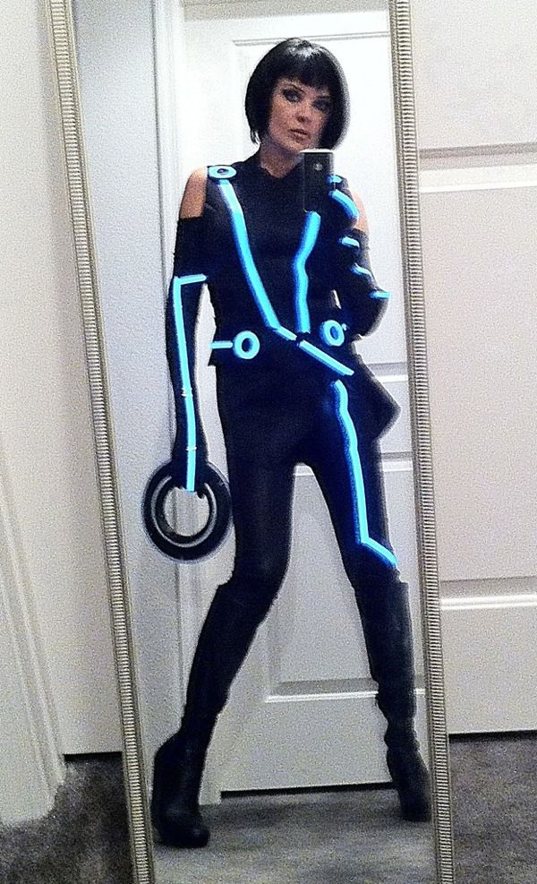 awesome quorra costume  sc 1 st  Pinterest & TRON Quorra u2013 EL tape costume | Costume Ideas | Pinterest | Costumes ...
