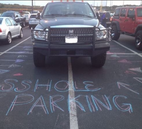 I need to keep chalk in my car from now on!!
