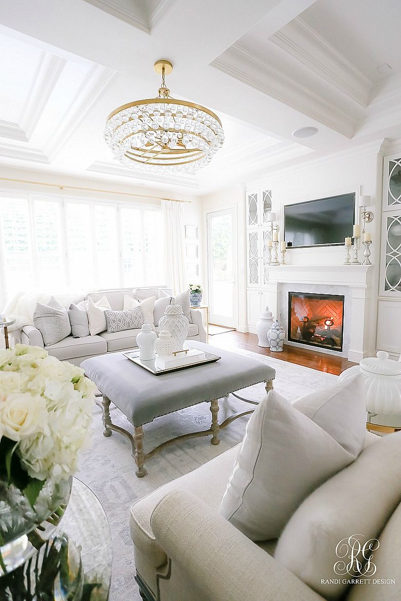 Casual Elegant Living Room: How To Decorate Using White With Kids And Pets