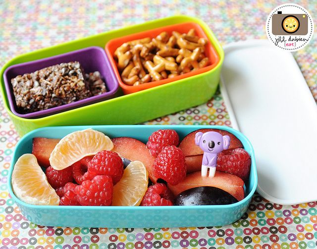 LUNCH BOX IDEAS One Tier Held A Lovely Fruit Salad With Orange Segments Raspberries Plums And Cute Pick The Other Rectangle Silicone Muffin