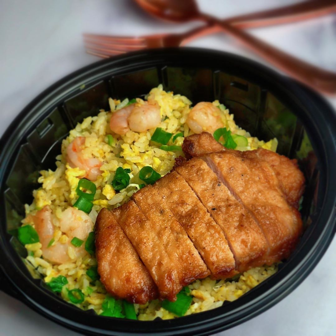 Today lunch is din tai fung style pork chop with shrimp egg fried rice! You can check out our video on wokhei fried rice for the recipe!