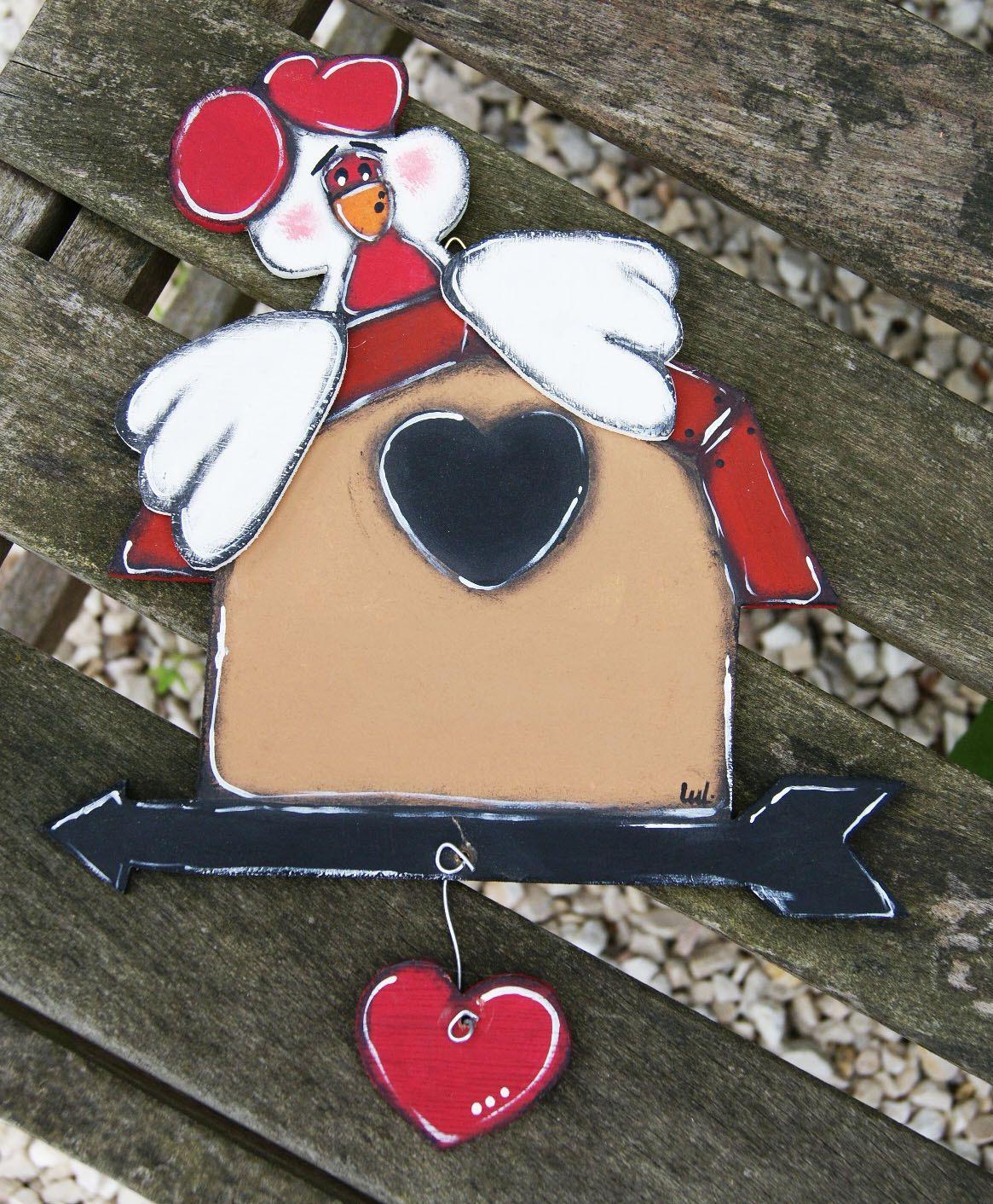 White hen on its wooden breeding ground paints - wooden painted hen de la boutique LULdesign sur Etsy