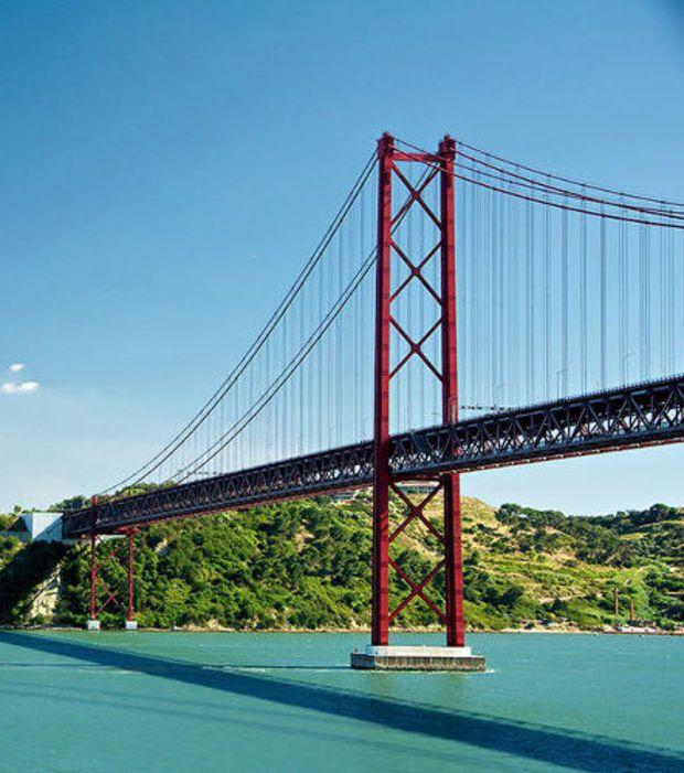 El Puente Del 25 De Abril De Lisboa Ciudades Lisboa Puentes