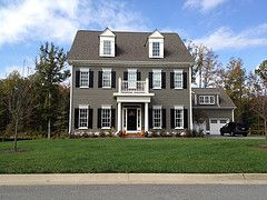 Pin By Autumn Clifton On Outdoors Colonial House Exteriors Colonial Exterior House Exterior