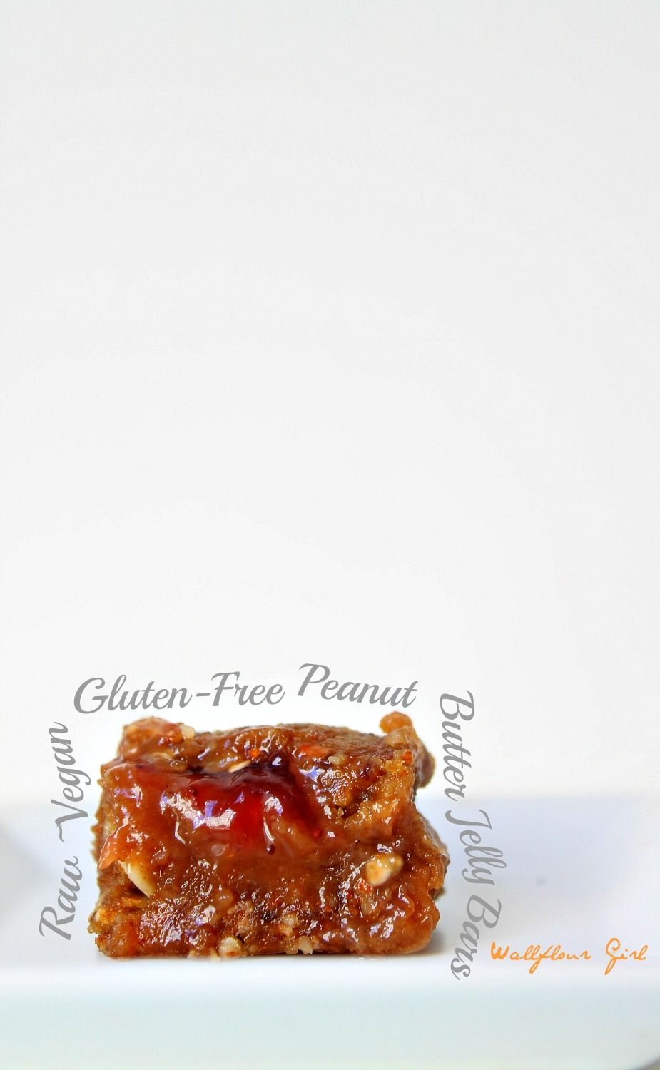 Healthy No-Bake Peanut Butter and Jelly Bars with some adjustments I can easily make these 90/10 friendly