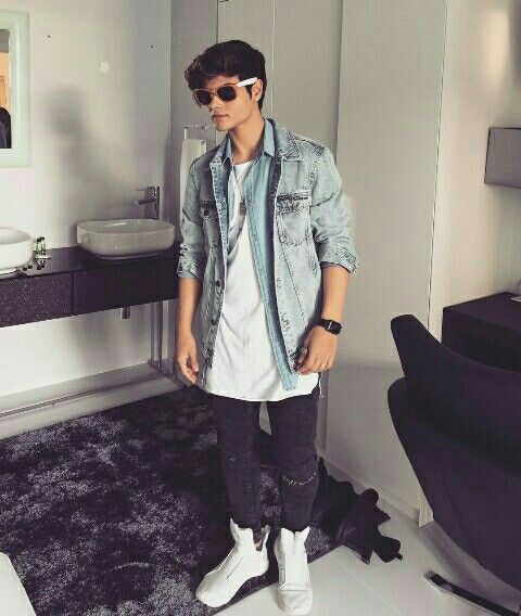 Pin By Celi On Abraham Mateo When You Love Somebody Abraham Singer
