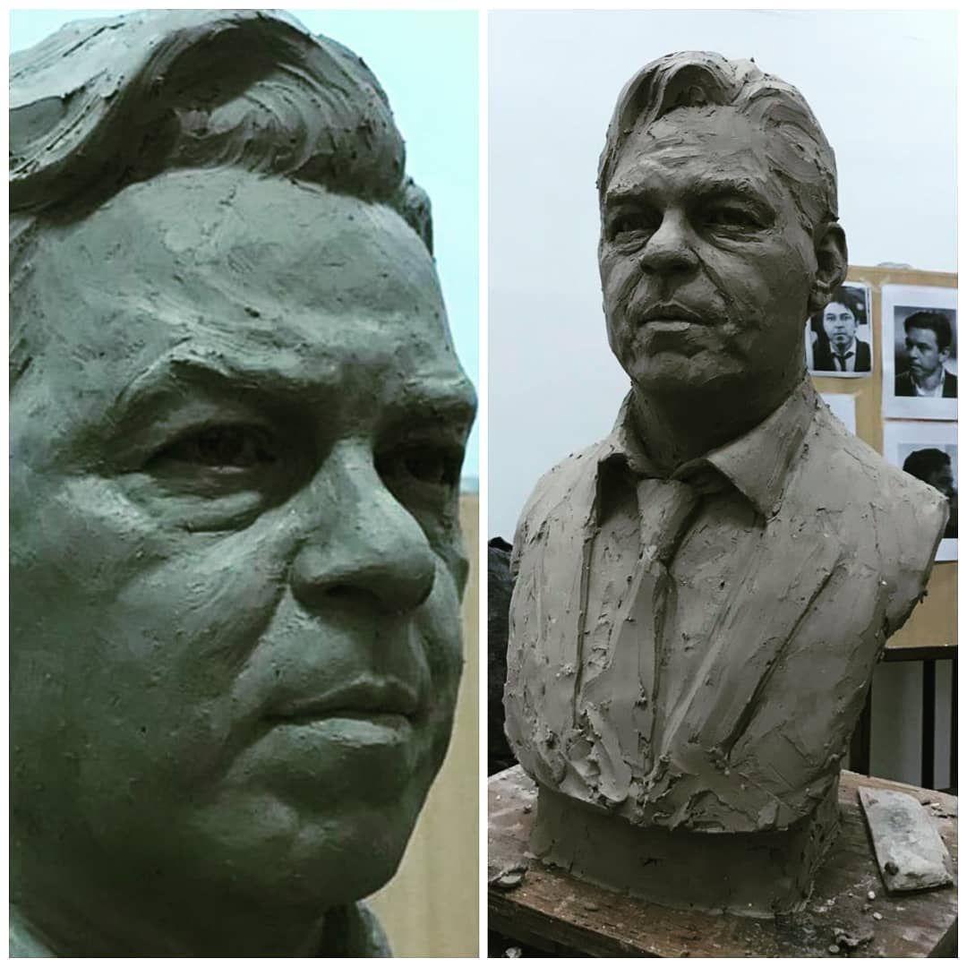 Busto de Marcelo Gallardo hecho por un hincha. | Largest countries,  Countries of the world, South america