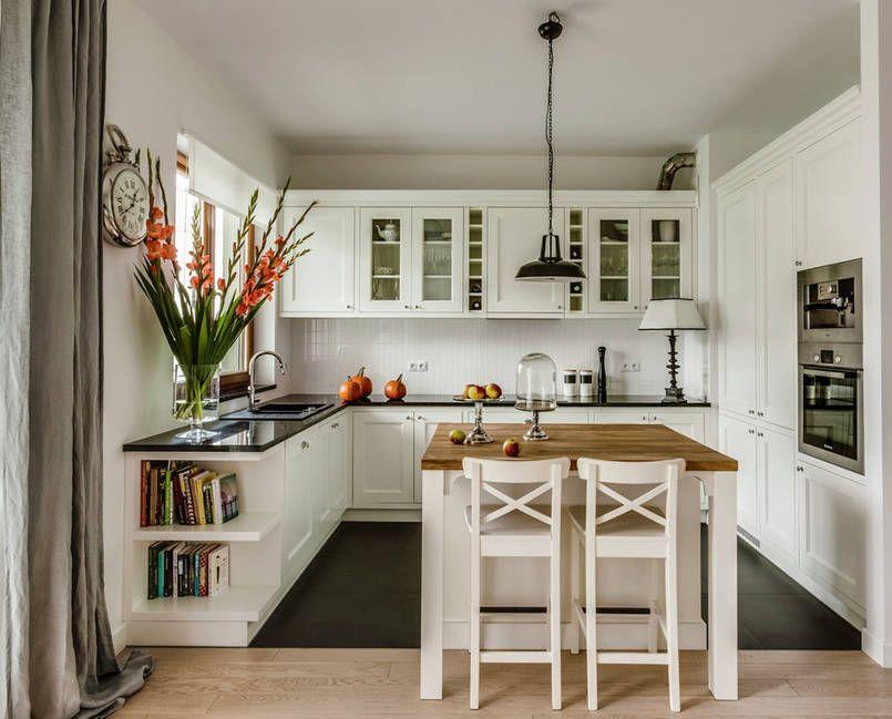 Klasyczna Kuchnia Z Mala Wyspa Classic Kitchen Design Kitchen Design Country Kitchen