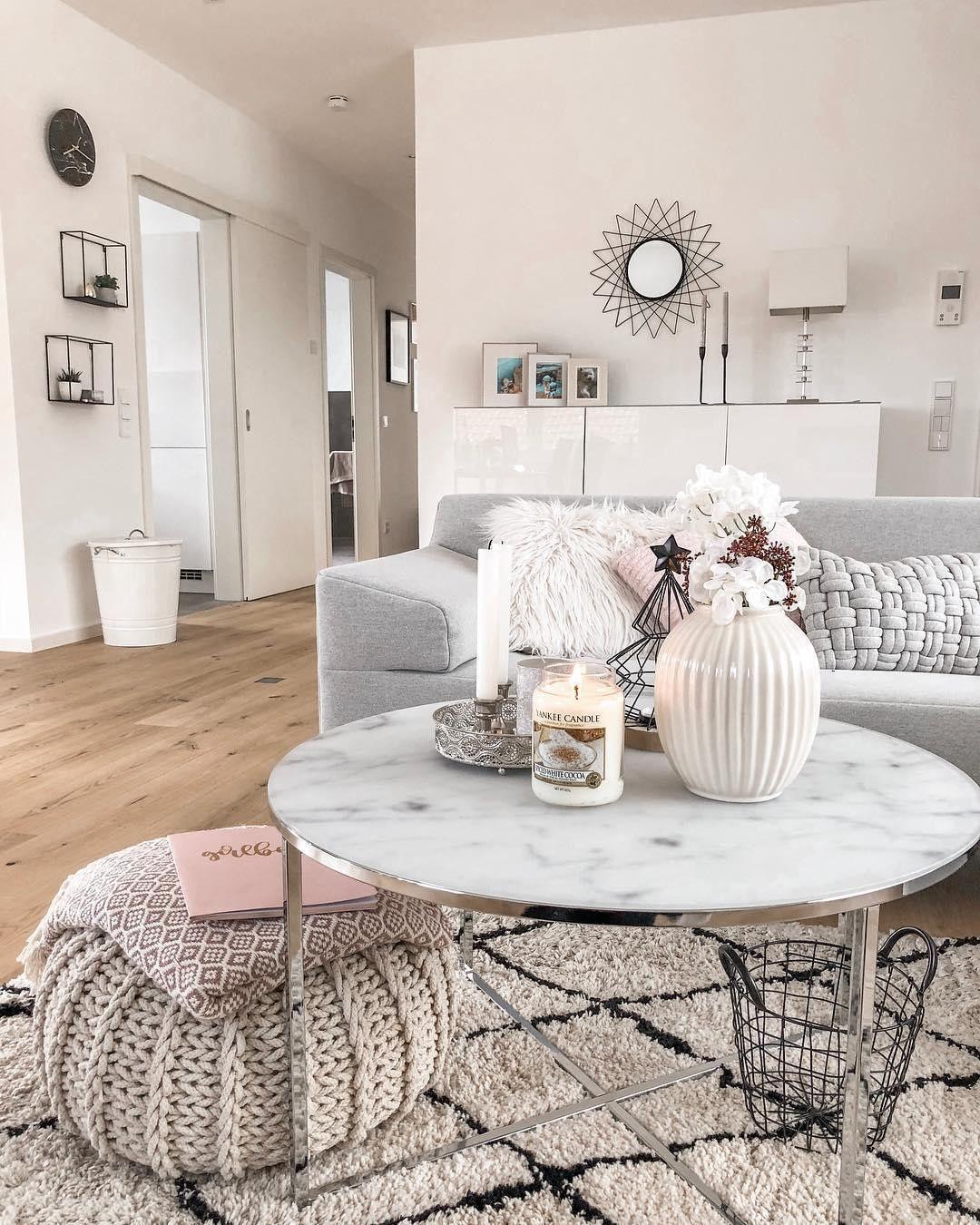 Westwing On Instagram Glam Fans Wisten Het Allang Marmer En Metallic Vormen Een Perfe Living Room Scandinavian Marble Tables Living Room Living Room Designs [ 1350 x 1080 Pixel ]