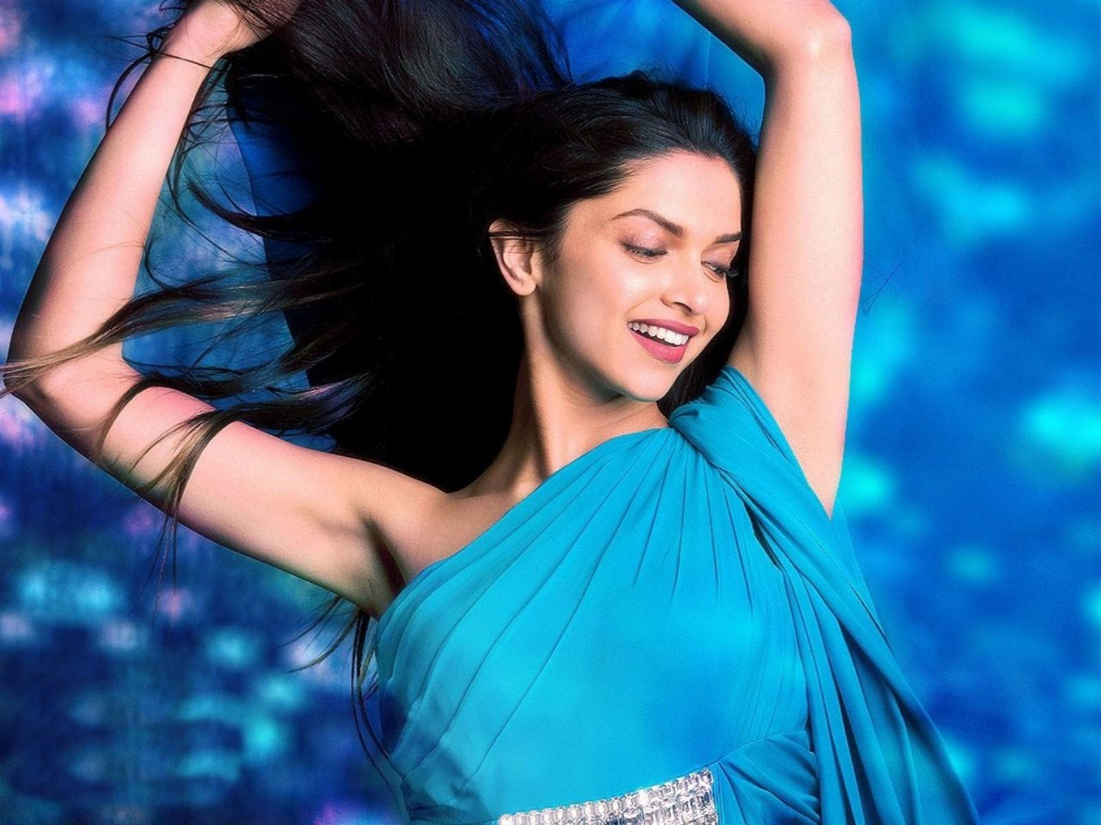 Deepika Padukone Deepika Padukone Blue Saree Celebrity Wallpapers