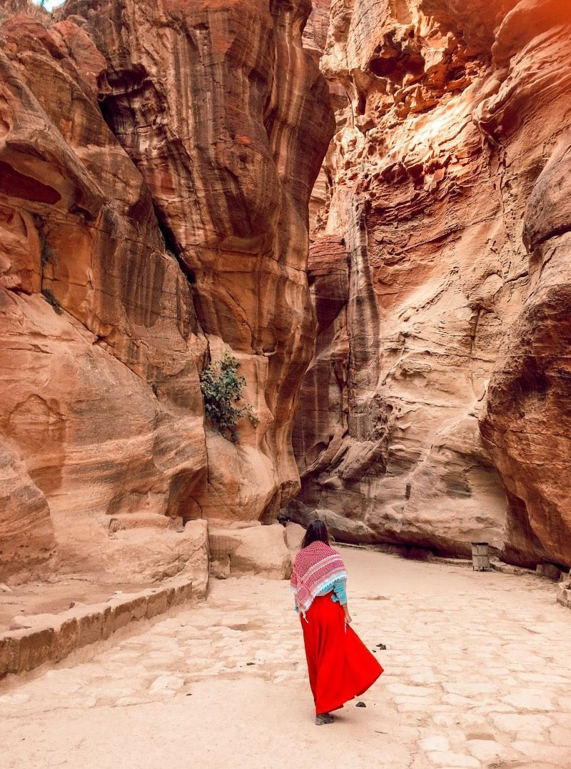TRAVELING TO JORDAN: 20 THINGS T0 KNOW BEFORE YOU VISIT PETRA | Jordan | A Luxury Travel & Lifestyle Blog by Mary Kalymnou #traveltojordan TRAVELING TO JORDAN: 20 THINGS T0 KNOW BEFORE YOU VISIT PETRA | Jordan | A Luxury Travel & Lifestyle Blog by Mary Kalymnou #petrajordan TRAVELING TO JORDAN: 20 THINGS T0 KNOW BEFORE YOU VISIT PETRA | Jordan | A Luxury Travel & Lifestyle Blog by Mary Kalymnou #traveltojordan TRAVELING TO JORDAN: 20 THINGS T0 KNOW BEFORE YOU VISIT PETRA | Jordan | A Luxury Trav #traveltojordan
