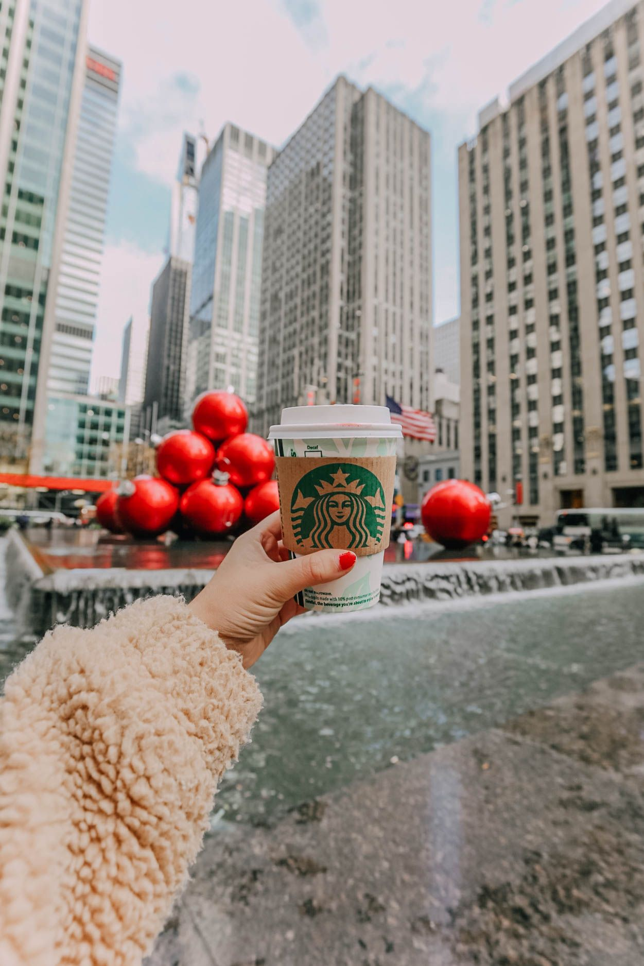 Happy Holidays // #christmas #christmaspictureideas #christmasdecor #cutechristmaspictures #cutechristmaspicturideas #homedecor #decor #christmasdecorations #christmastree #santaclause #christmastreeideas #christmascookies #christmascrafts #christmaspartyideas #christmasoutfit #christmasoutfits #christmasmovies #flatlays #christmasflatlay #winter #winterwonderland #ootd #ootdwinter #fashion #cutewinteroutfits #winteroutfitideas #christmas2018 #christmas18 #santaclause
