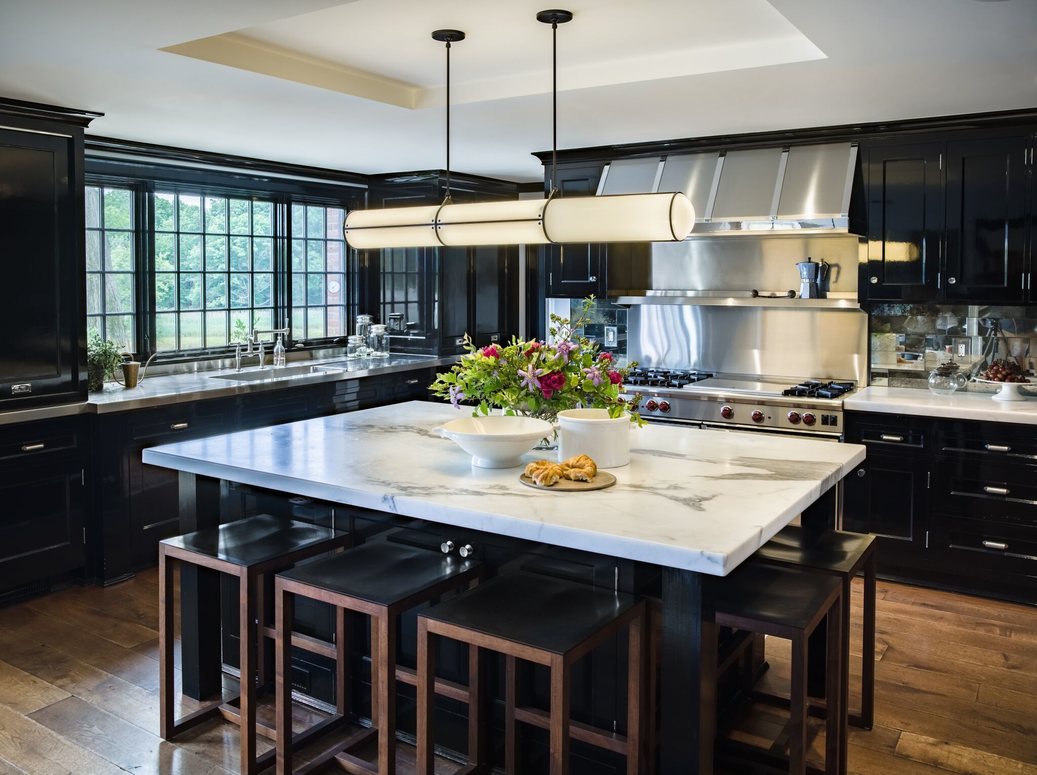 30 Black Kitchen Cabinets In Beautiful Cooking Spaces