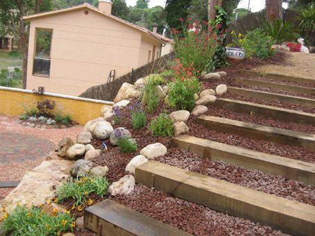 Escaleras de traviesas barrancas pinterest escalera jard n y estanques - Escaleras jardin ...