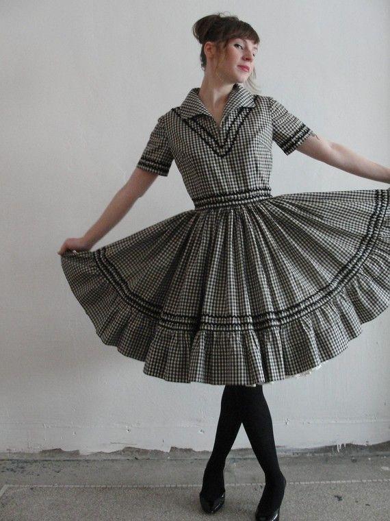 Gracie Loves Gingham - Vintage Handmade Country Dress - $88