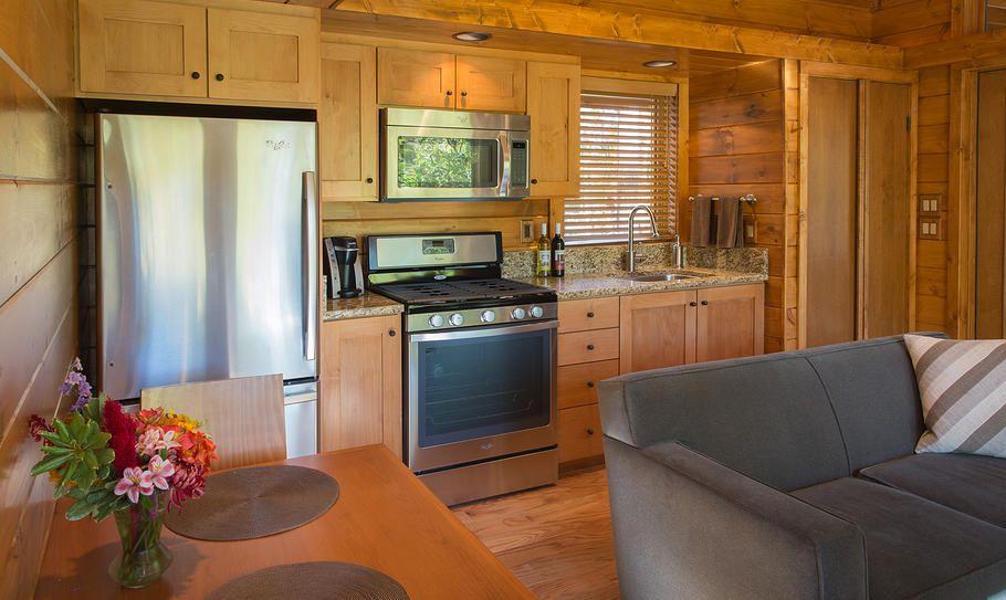 diseo de cocina pequea en madera natural
