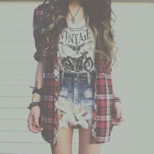 Everything about this outfit is perfect. Soft grunge | via tumblr