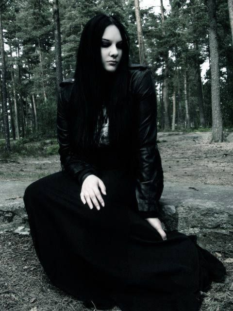 Heike Langhans Vocalist Of The Doom Gothic Metal Band Draconian Metalhead Girl Metal Girl Gothic Culture