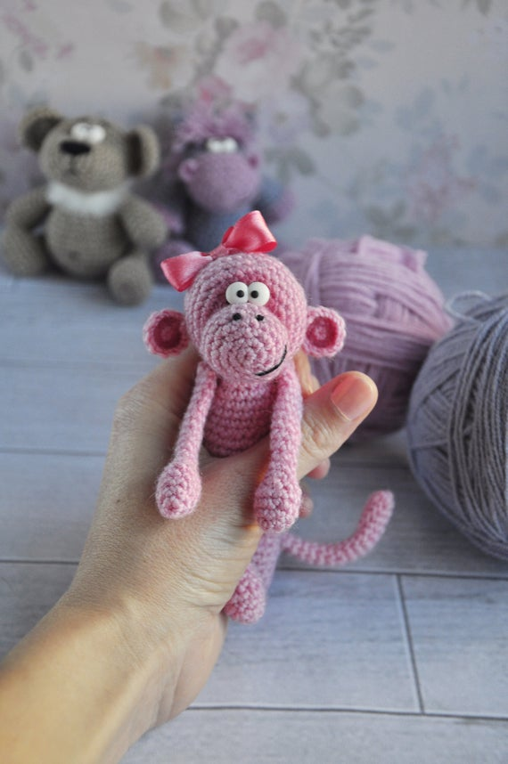 Free amigurumi toy pattern for cute little monkey girl and her ... | 858x570