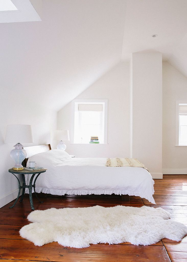 Schlafzimmer Ideen · Dunkler Boden