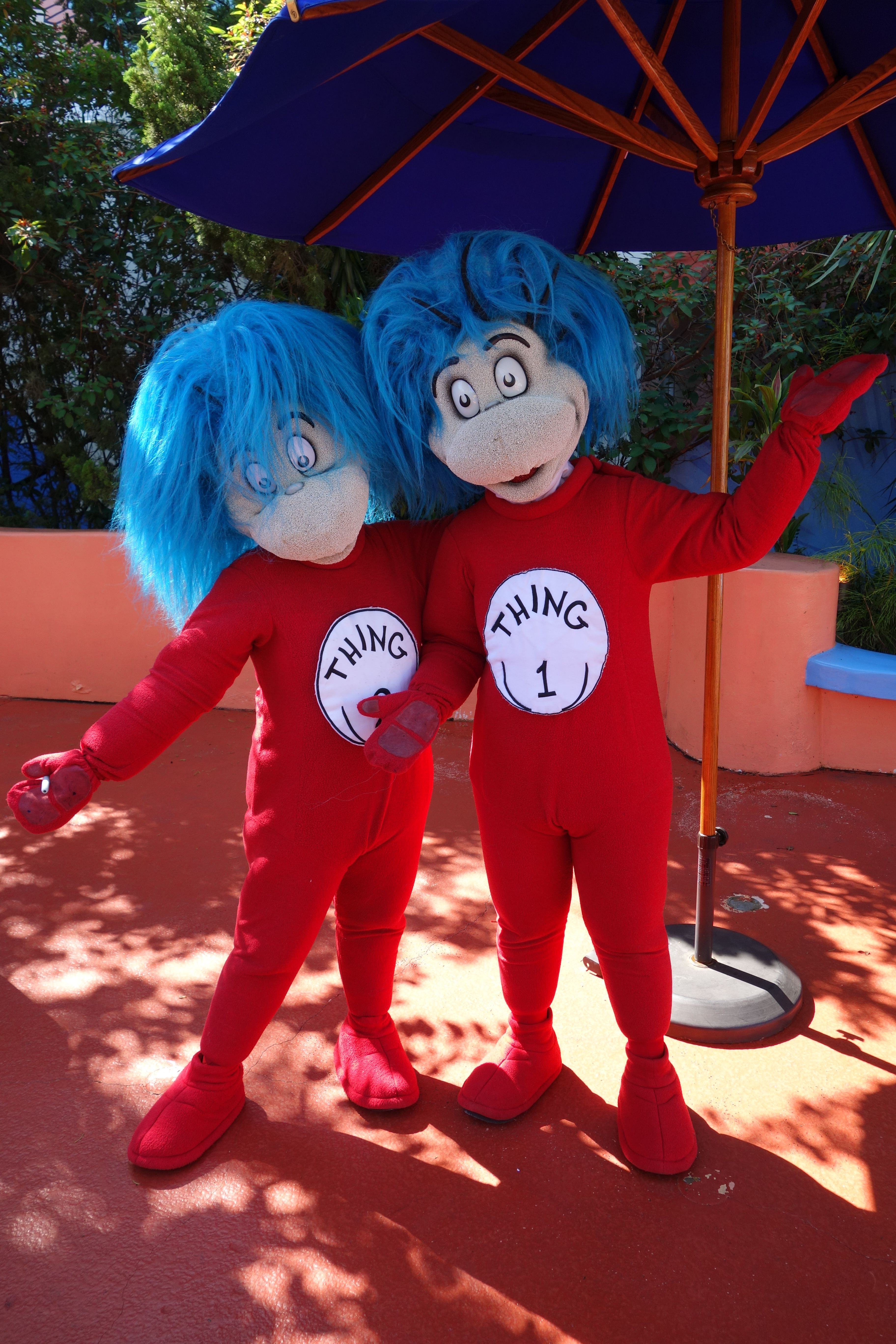 Thing 1 And Thing 2 Universal Islands Of Adventure Disney World Characters Islands Of Adventure