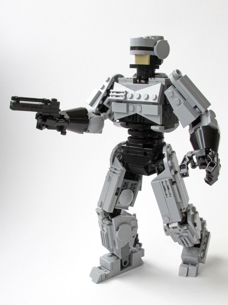 """Robocop with """"Auto 9"""" 